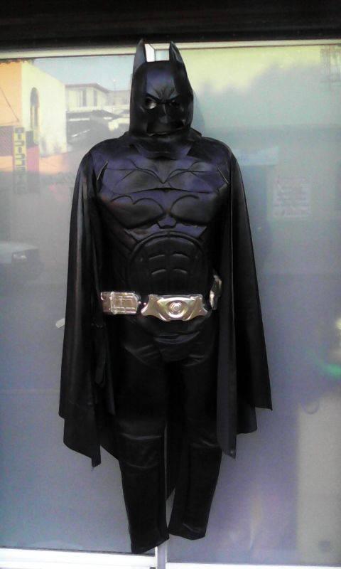 http://boutiqueandromeda.net/fotosdisfraces/superheroes/14batman.jpg