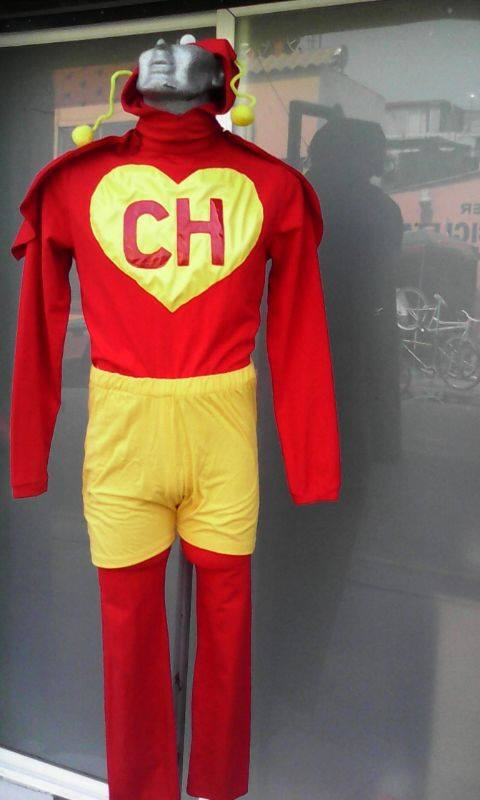 http://boutiqueandromeda.net/fotosdisfraces/superheroes/14chapulin.jpg