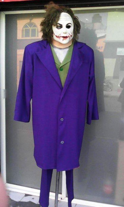 http://boutiqueandromeda.net/fotosdisfraces/superheroes/14guason.jpg
