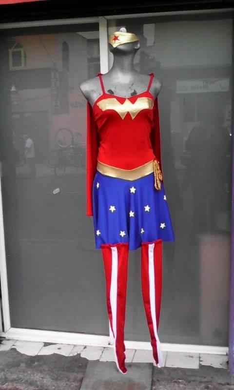 http://boutiqueandromeda.net/fotosdisfraces/superheroes/14maravilla.jpg