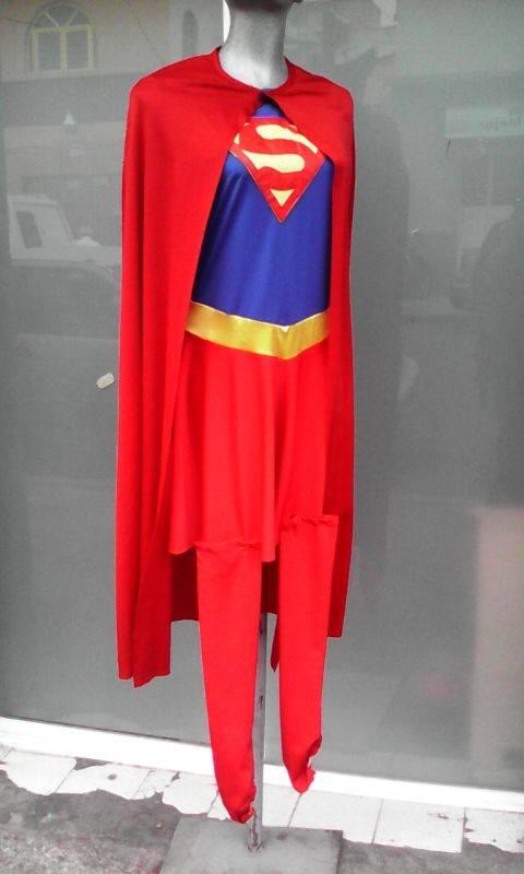 http://boutiqueandromeda.net/fotosdisfraces/superheroes/14supergirl.jpg