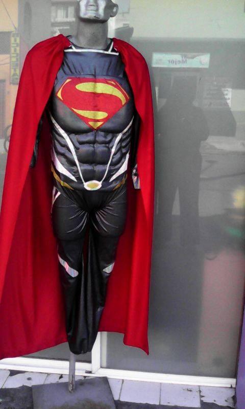 http://boutiqueandromeda.net/fotosdisfraces/superheroes/14superman.jpg